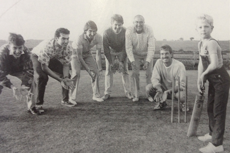 The Cricketing Family French